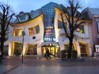 Casa torcida (Polonia).jpeg